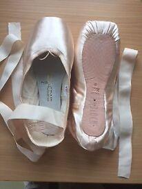 Bloch B.Morph pointe shoes Size 6 XXX