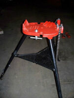 Ridgid Collapsible Tri-Stand Pipe Vise