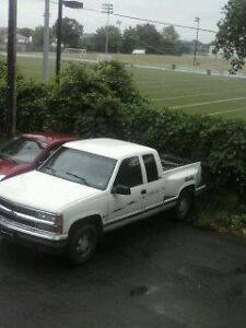 1996 Chevrolet Silverado 1500 4x4good condation i am the 3 owner