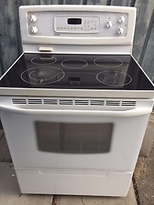 Kenmore ceramic top stove/oven