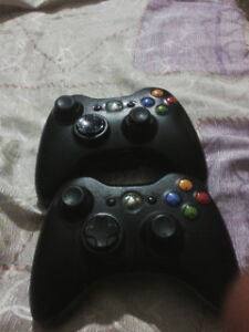 2 BLACK WIRELESS XBOX 360 CONTROLLERS FOR SALE $20 EACH