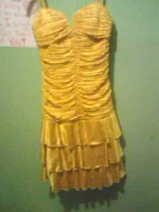 Selling my grade 8 grad dress.