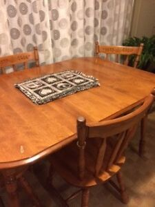 Wooden Table / 4 Chairs