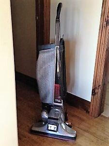 2 Vacuum Cleaners