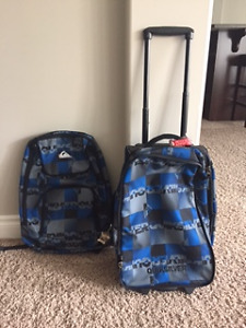 Quicksilver Kids rolling suitcase with detachable backpack