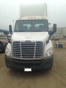 2011 Freightliner Cascadia With Low Km's