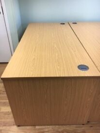 Straight office desk with option of wheeled 3 draw under cabinet