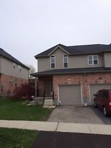 Lovely 3BR Townhouse in GREAT NEIGHBORHOOD for rent. Kitchener / Waterloo Kitchener Area image 1