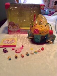 Squinkies Cupcake Surprise Bake Shop Playset