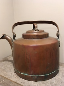 19th Century French Copper Kettle or Pot Farmhouse Vintage