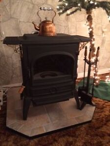 Oil Fire Place Cornwall Ontario image 1