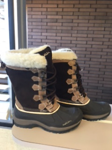 Womens Name Brand Boots, assorted sizes and styles