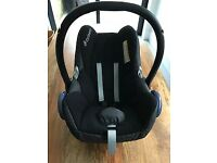 Maxi-Cosi Cabriofix Baby Car Seat / Isofix Base and Bugaboo Cameleon Adaptors