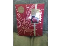 Brand New King Size Fushia Floral Duvet Set