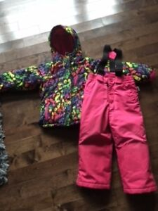 Girl's size 5/6 snow jacket and snowpants