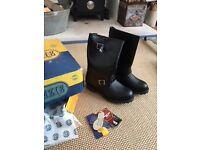 Mens black Mckenzie biker boots size 7
