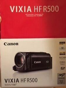 Canon HF R500 CAmcorder - practically new