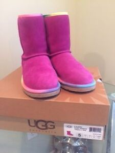 Classic rainbow/pink Girls uggs size 5 youth