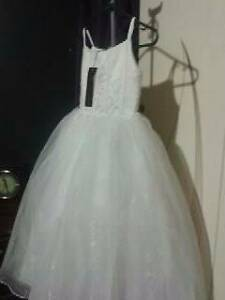 BRAND NEW FLOWERGIRLS DRESS Cranebrook Penrith Area Preview
