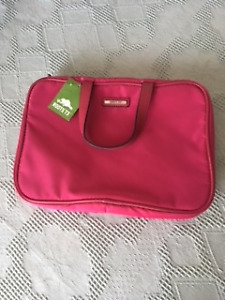 """ROOTS"" new PINK COSMETIC / TRAVEL BAG"