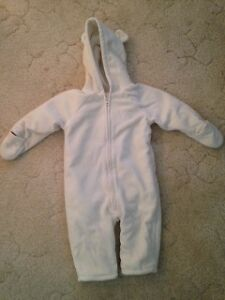 Adorable Old Navy Snowsuit w/ ears
