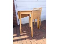 For Sale - Extendable Kitchen Table & Chairs (£40.00)