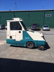 Parking Lot Vacuum Sweeper