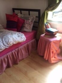 "SINGLE ROOM per week £130 """""""" zone 1-2 """""""""""""" NO BILLS"