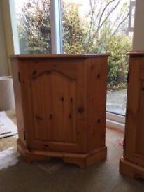 Corner Storage Unit in Pine excellent condition £40