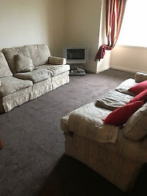 Attractive and comfortable flat near University.