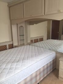 FARNWORTH CLOSE TO MOSES GATE PARK - LOVELY FF ROOM IN SHARED HOUSE ALL BILLS + WIFI INC