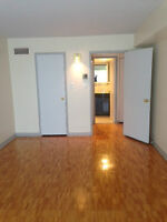 Must see Modern 3 1/2 Condo in Hampstead inc heat/ac park avail