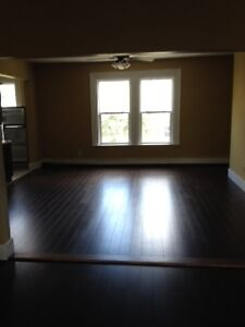 Downtown Huge 5 Bedroom to share