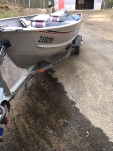 14 Foot Boat, 15HP Evinrude Motor and trailer