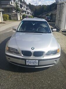STUDENT SELLING 2004 BMW 3-Series 325i