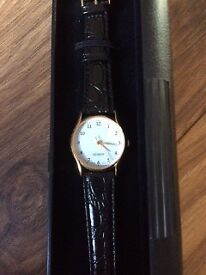 Quartz Ladies Watch with Leather Strap with Battery - Brand New with Gift Box £15