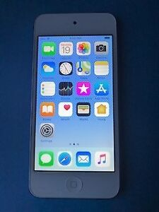 iPod Touch 6th Generation almost new
