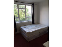 DOUBLE ROOM FOR A COUPLE WITH LITTLE BALCONY - BETWEEN VAUXHALL AND STOCKWELL - £700 PCM - ALL BILLS
