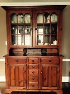 2 Days only-Price Reduced   Beautiful Hutch