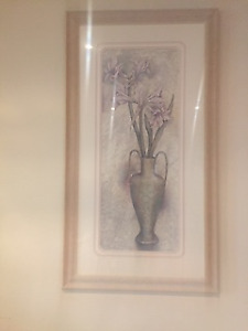 art work, 3 art pictures,2 wall sconces ,vase and flowers,
