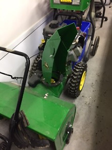 SNOW BLOWER - VERY GOOD CONDITION