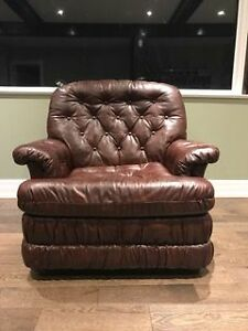 ACCENT CHAIR - DARK BROWN - MINT CONDITION