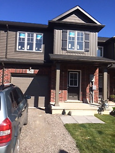3 Bedroom Town house in Mountain View Homes welland