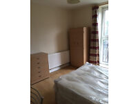 TWIN ROOM CLOSE TO STOCKWELL AND VAUXHALL (DOUBLE AND SINGLE BED) - £800 PCM - ALL BILLS