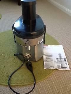 Sunbeam Cafe Juice Extractor with whole fruit chute
