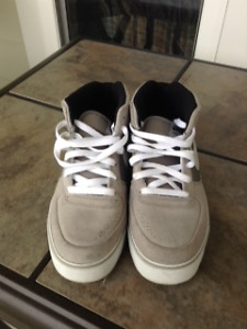 NIKE ANKLE HIGH CASUAL SHOES