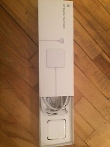 NEW APPLE CHARGER - 45 MagSafe Power Adapter - retail value $100
