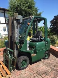 NISSAN FORK LIFT 18 diesel with rotating forks £2250 ONO