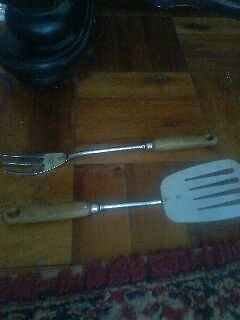 2 vintage kitchen utensils