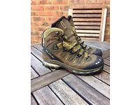 Salomon Size 9 Walking Boots